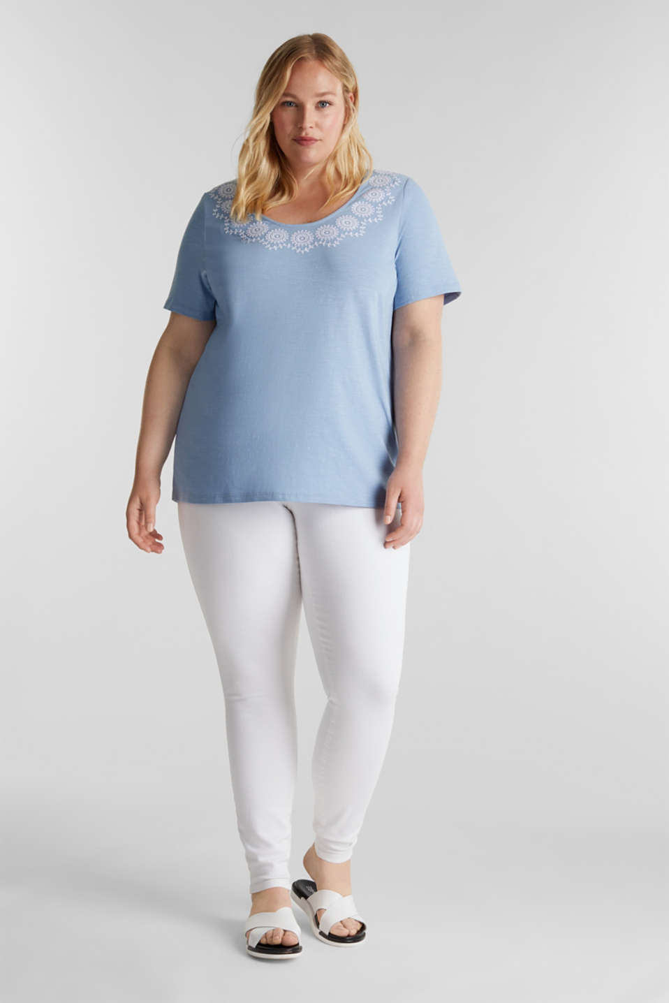CURVY top with embroidery, LIGHT BLUE, detail image number 0