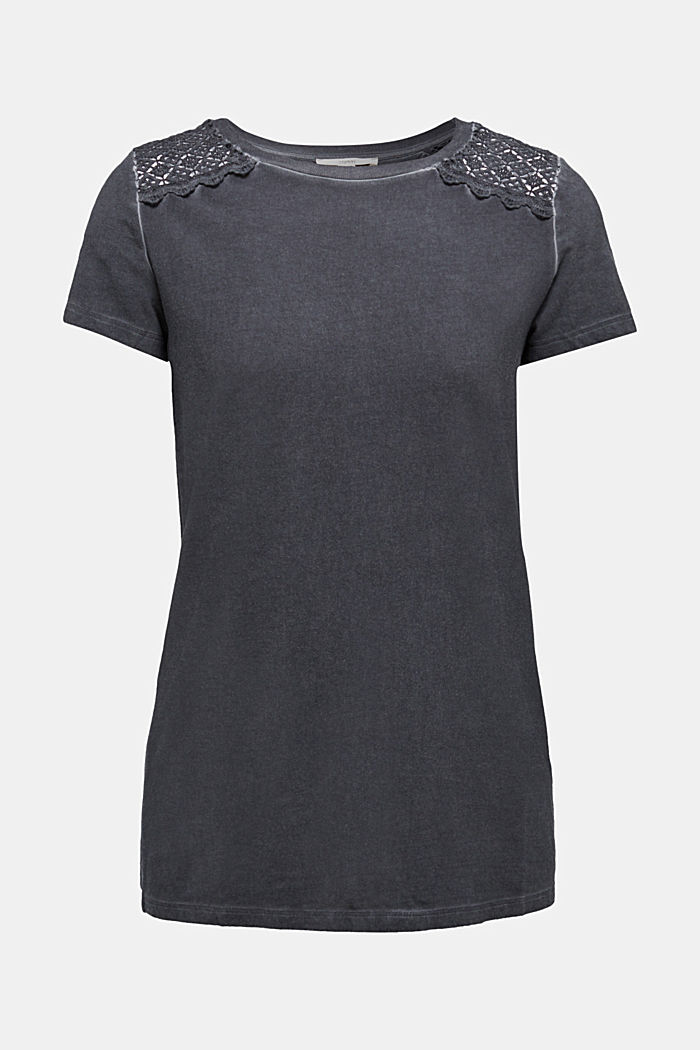 T-shirt with a lace trim