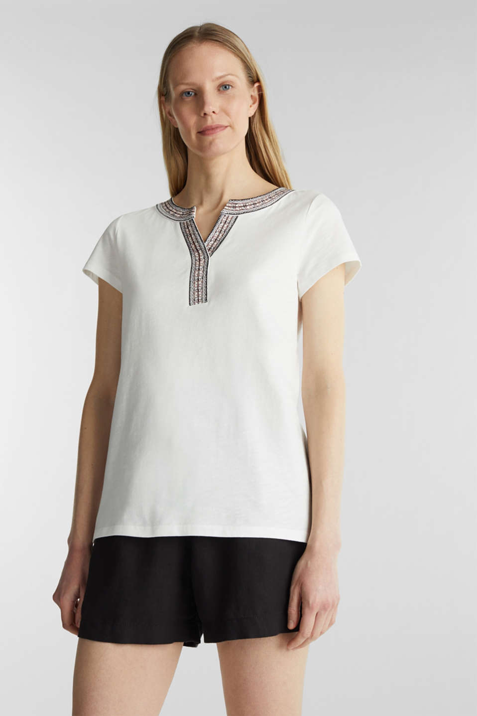 Esprit - Embroidered T-shirt, 100% cotton