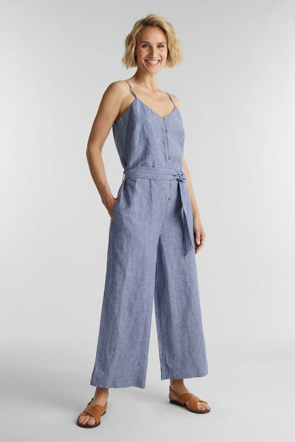 Esprit - With linen: jumpsuit with a wide leg
