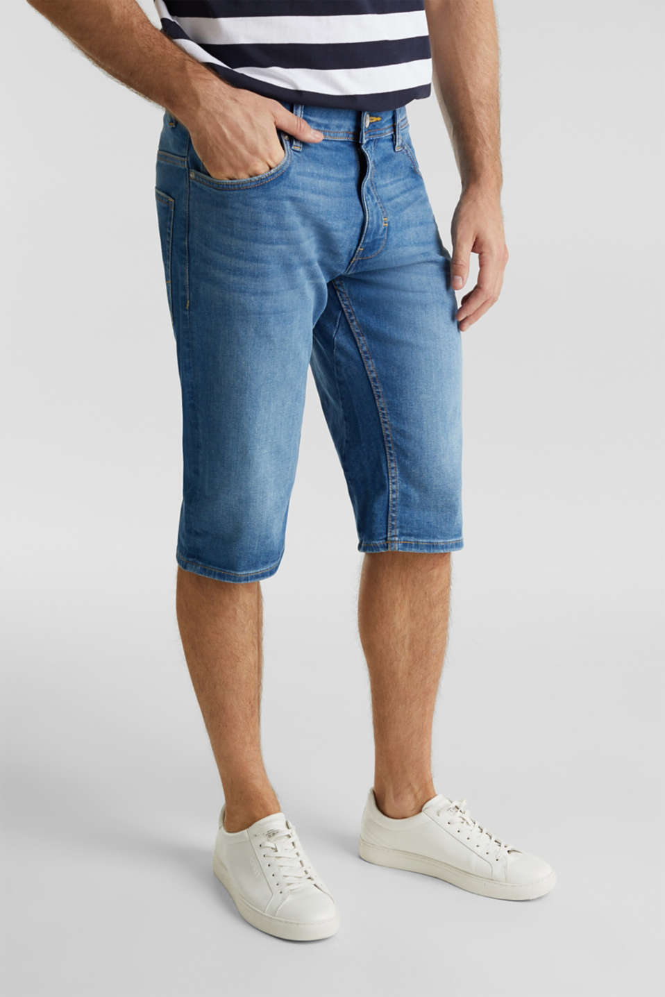 Esprit - Bermuda-Jeans mit Washed Out-Effekt