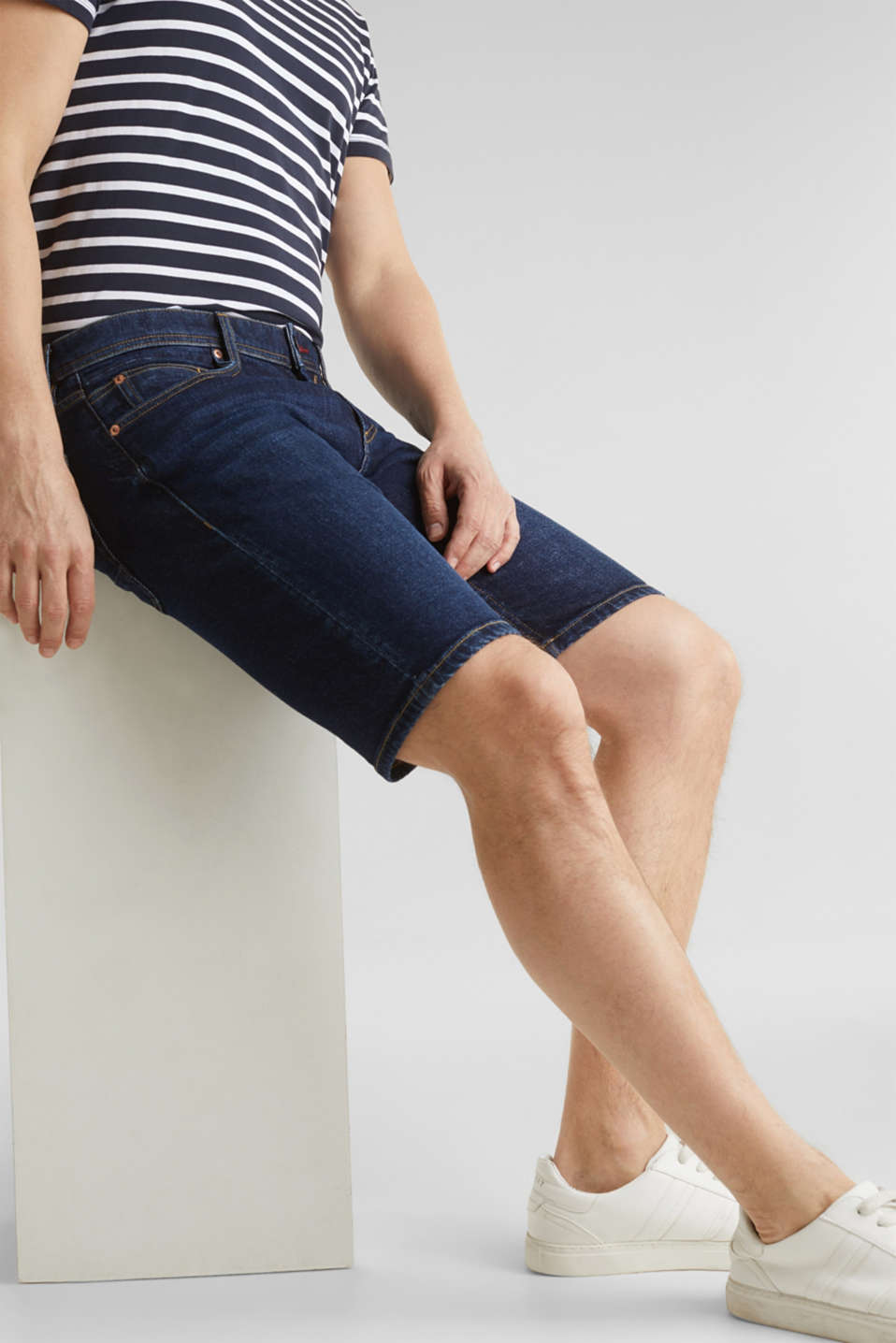 Denim shorts with organic cotton, BLUE MEDIUM WASH, detail image number 5