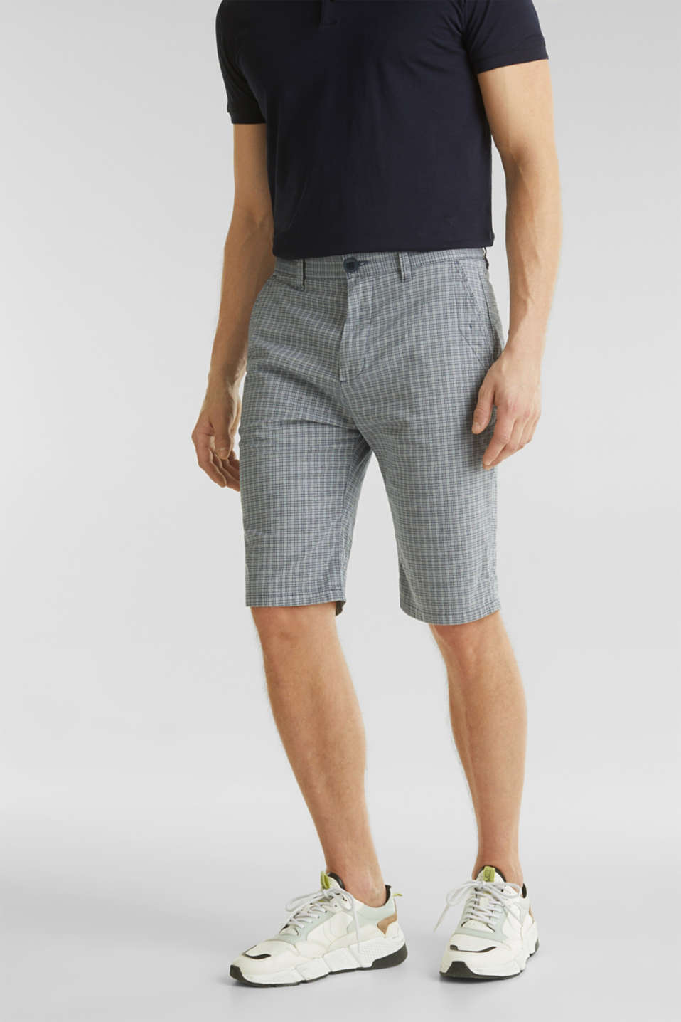 Esprit - Stretch Bermuda shorts containing organic cotton