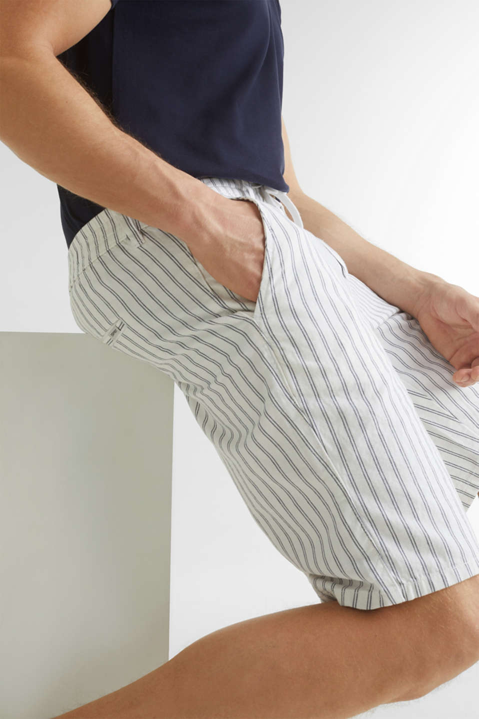 With linen: striped Bermudas, WHITE 3, detail image number 2
