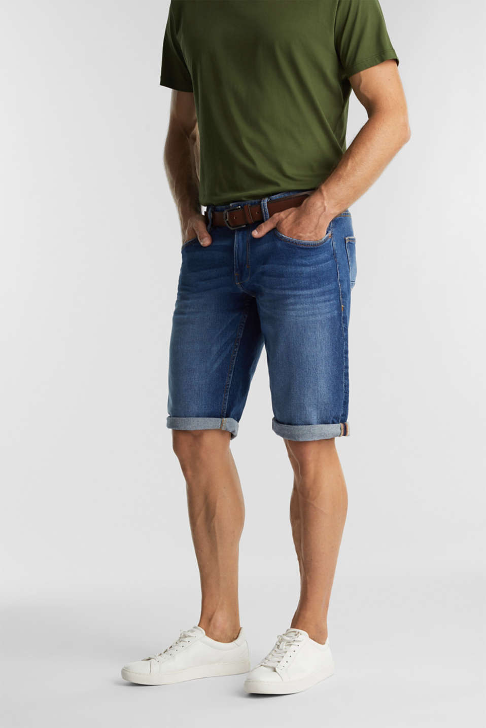 Esprit - Denim shorts with a belt and organic cotton