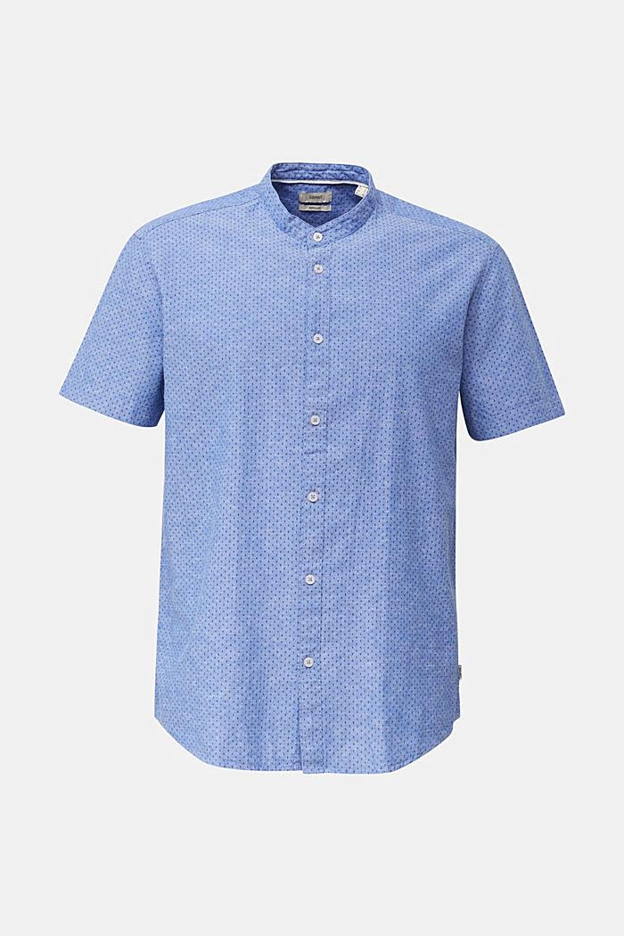 À teneur en lin: la chemise à manches courtes à col montant