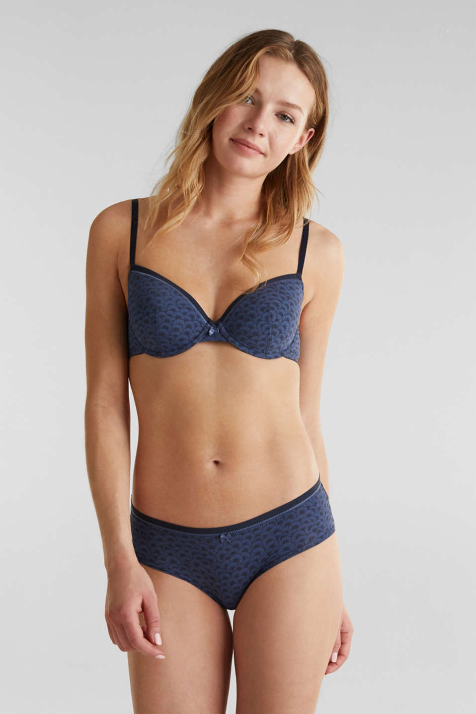 Esprit - Padded underwire bra with a shell print