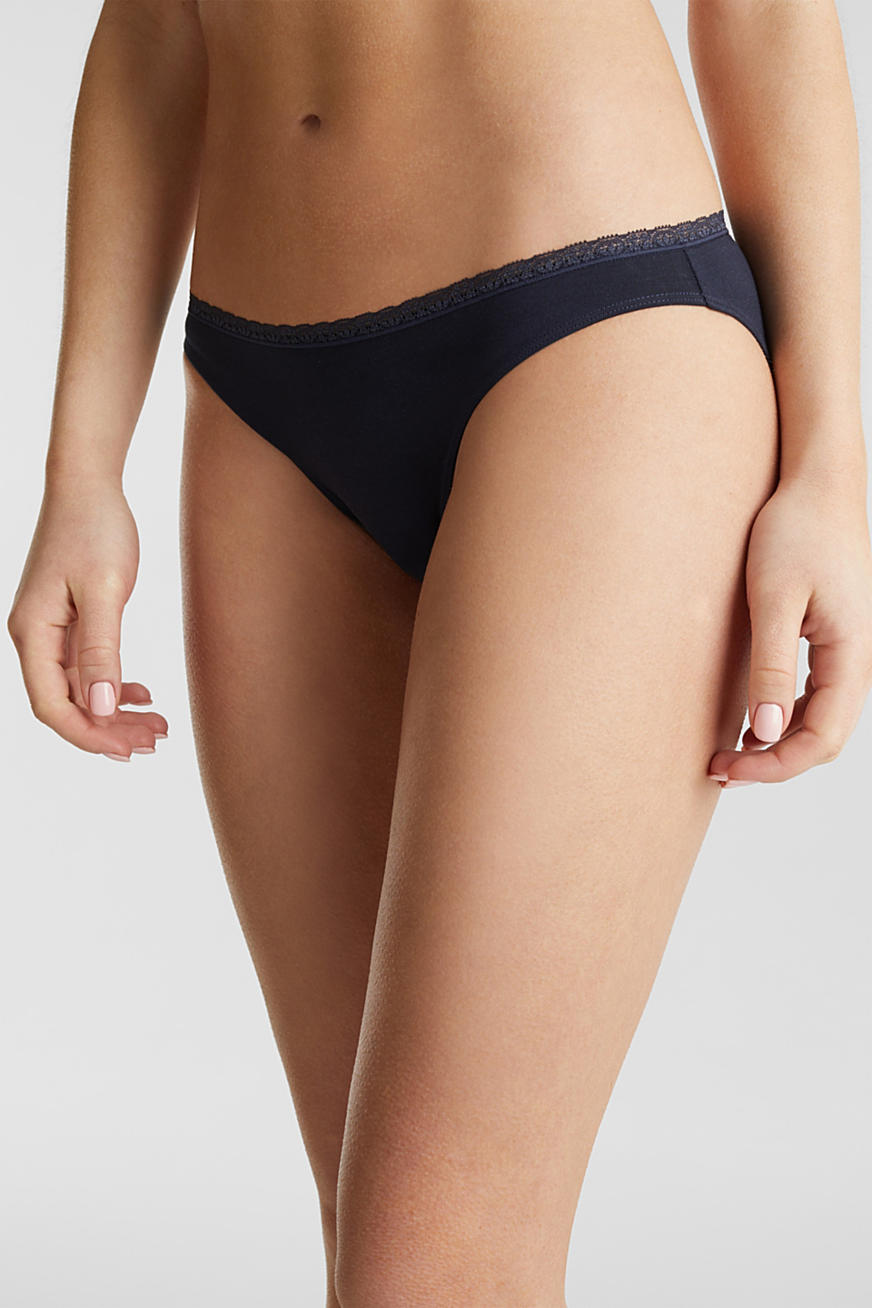 Triple pack: hipster briefs with a lace waistband