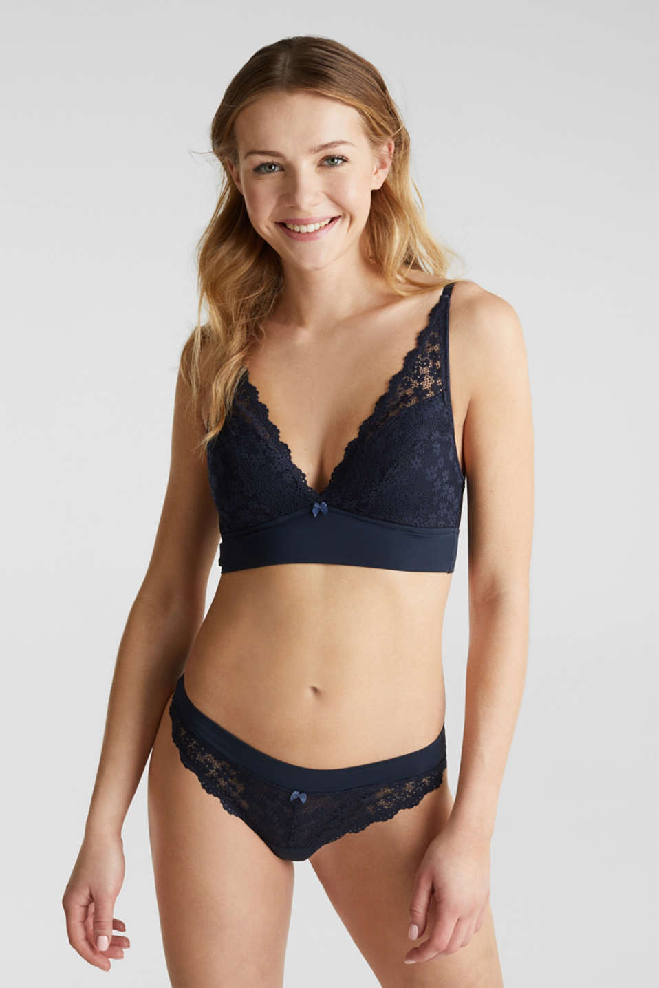 Padded wireless bra in lace, NAVY 2, detail image number 0
