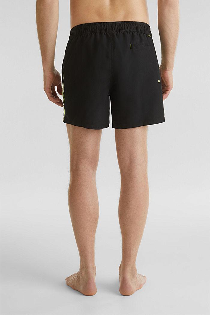 Bade-Shorts mit Racing-Streifen, BLACK, detail image number 1