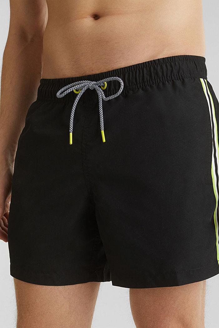Bade-Shorts mit Racing-Streifen, BLACK, detail image number 2