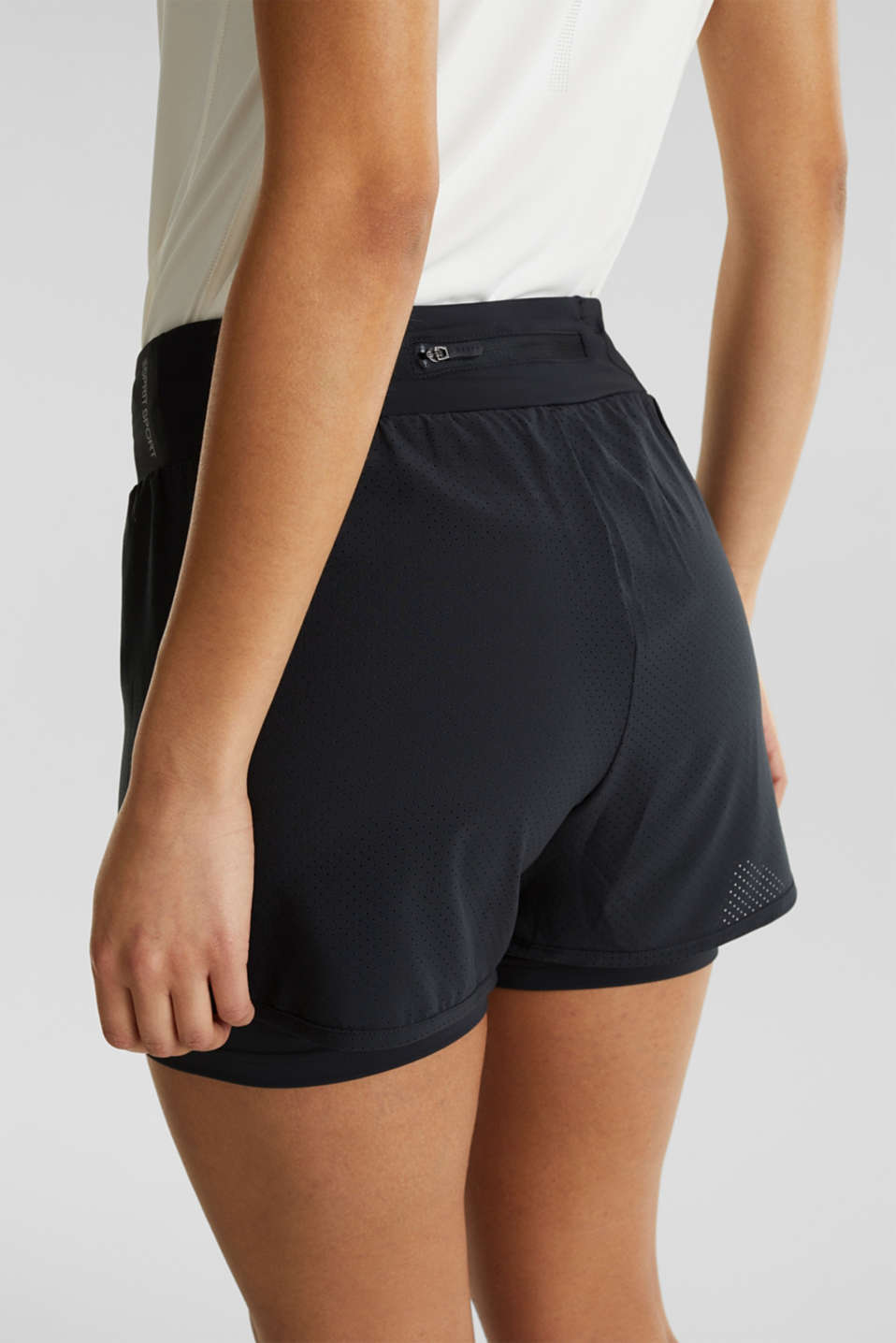 2-in-1: layered shorts made of mesh, edry, BLACK, detail image number 2