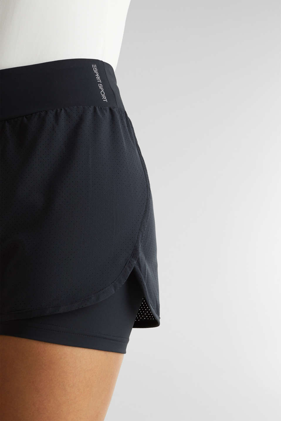 2-in-1: layered shorts made of mesh, edry, BLACK, detail image number 4