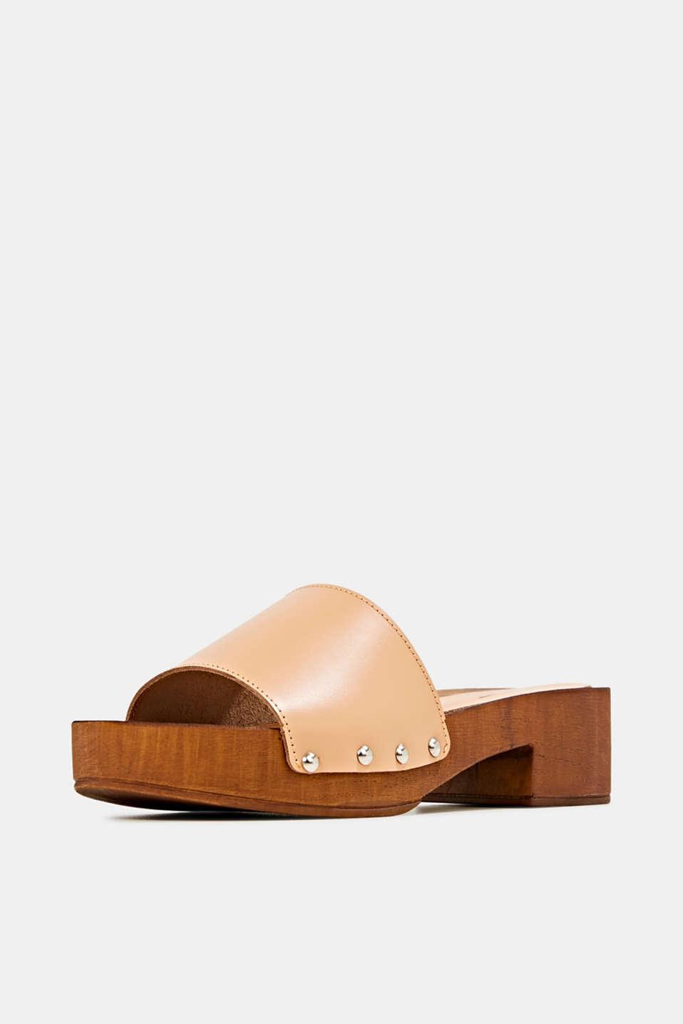Made of leather: clog sandals, CARAMEL, detail image number 2