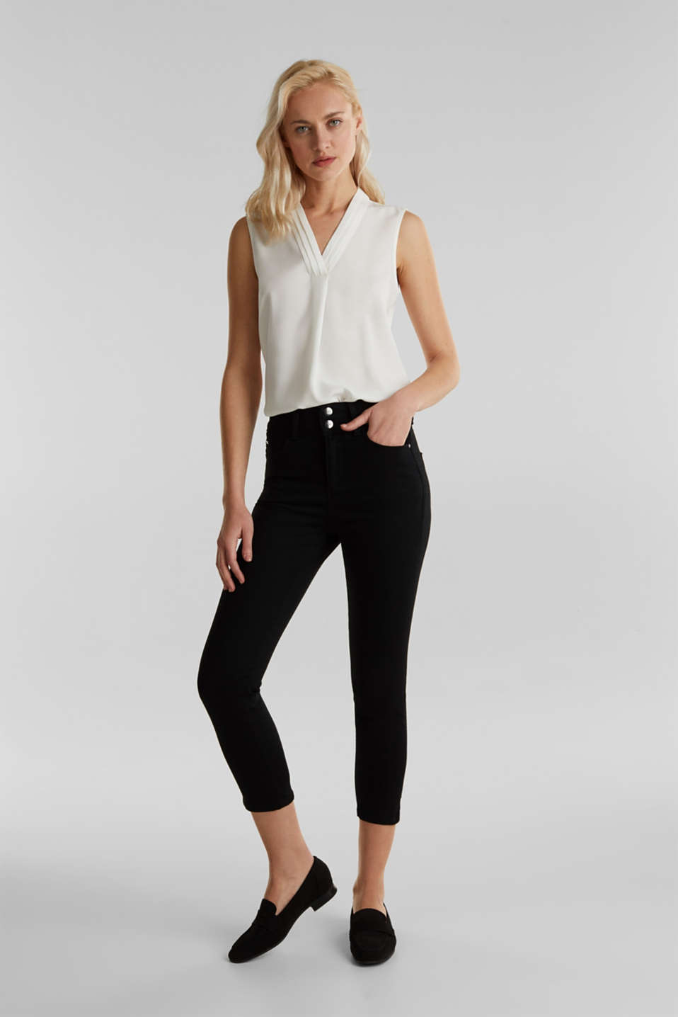 Esprit - Business capris in shaping denim