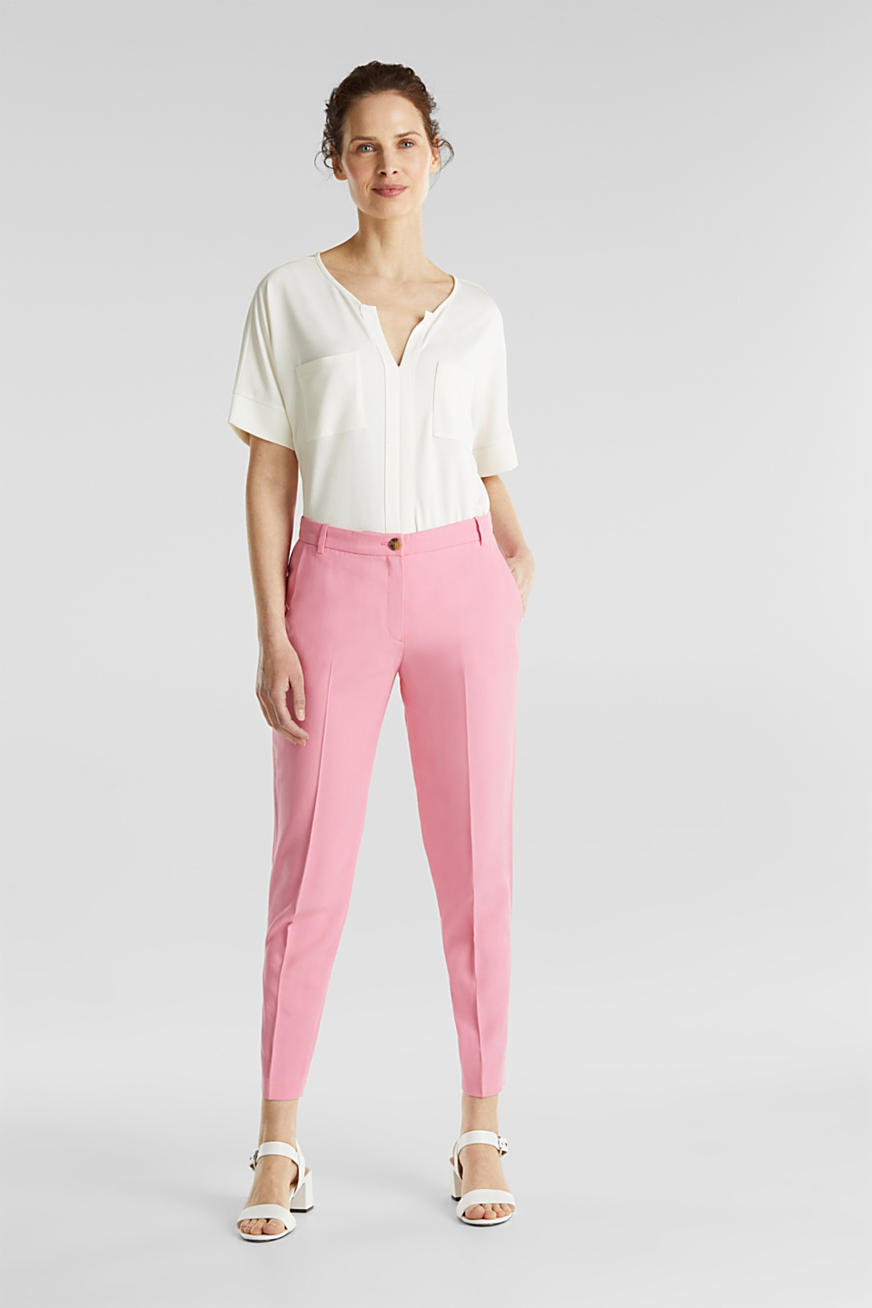 Ankle-length trousers with a flowing drape