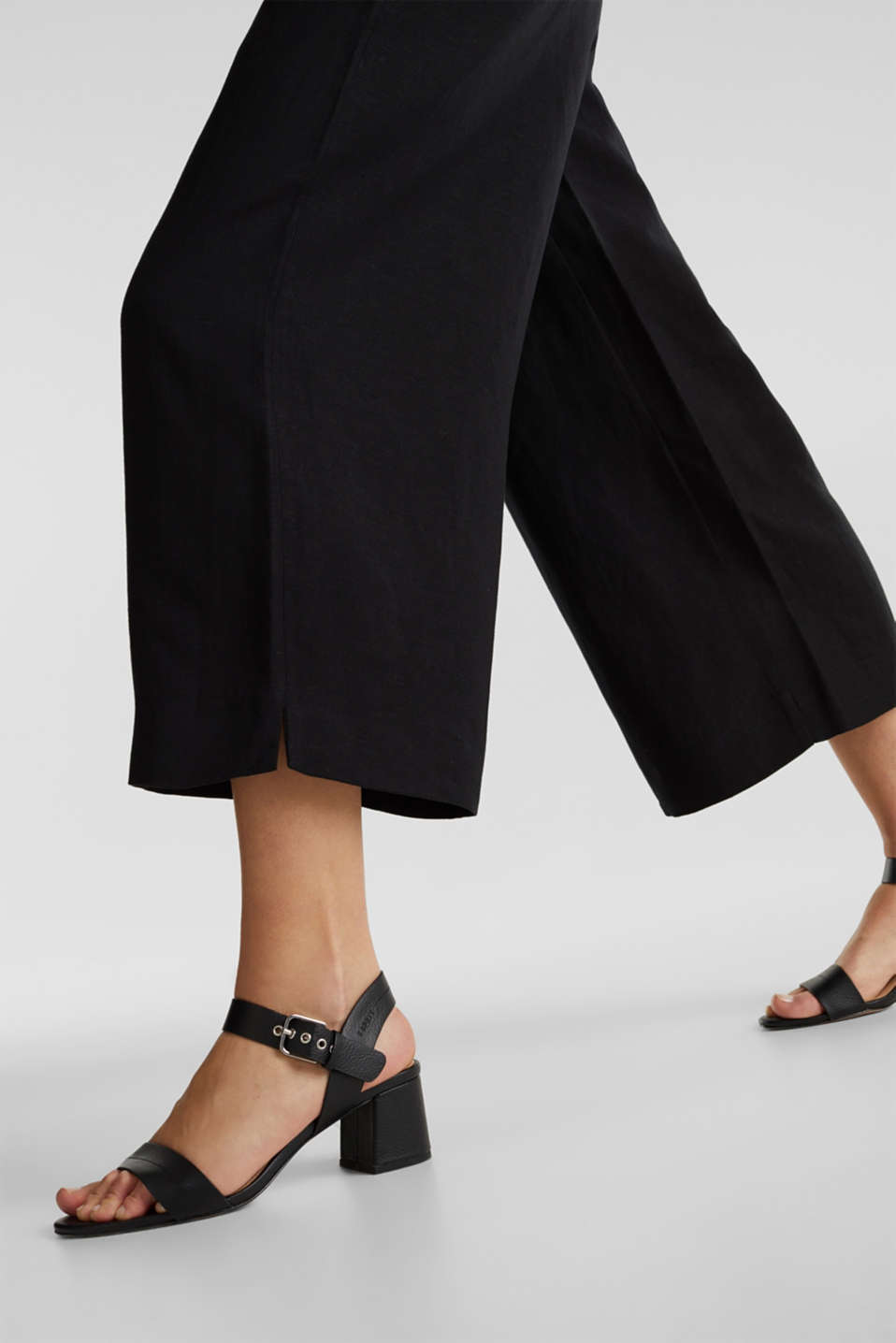 Linen blend: culottes with waist pleats, BLACK, detail image number 2
