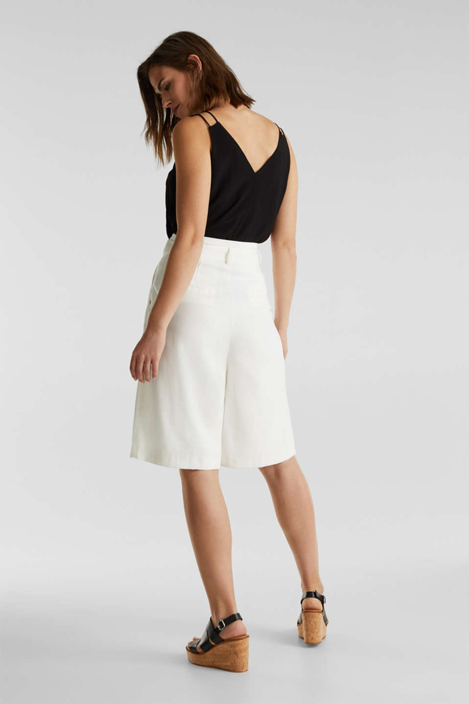 Flowing Bermudas with a wide leg, WHITE, detail image number 3