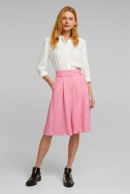Flowing Bermudas with a wide leg, PINK, detail