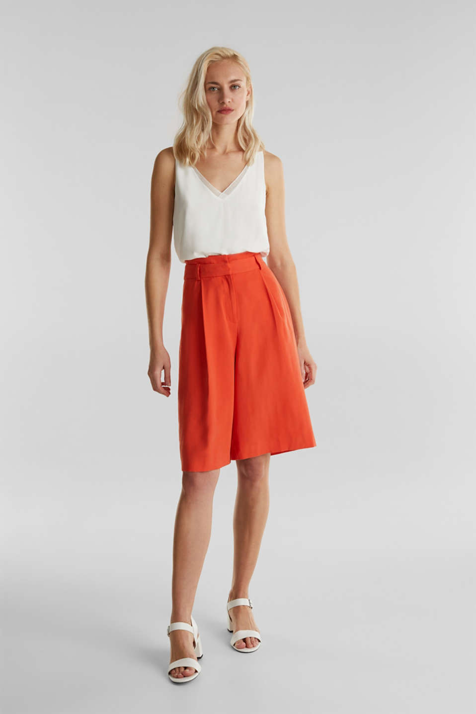 Flowing Bermudas with a wide leg, RED ORANGE, detail image number 0