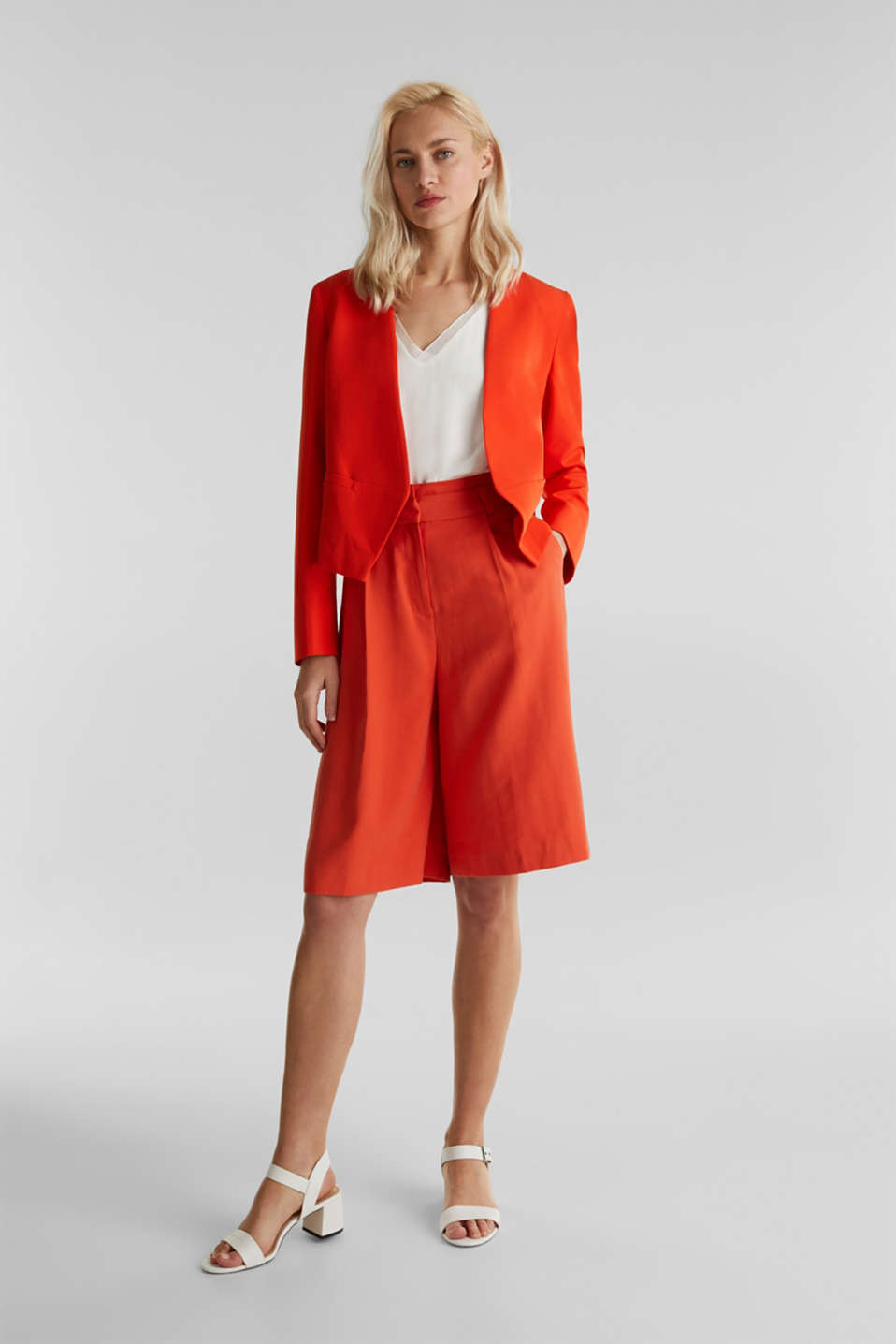 Flowing Bermudas with a wide leg, RED ORANGE, detail image number 1