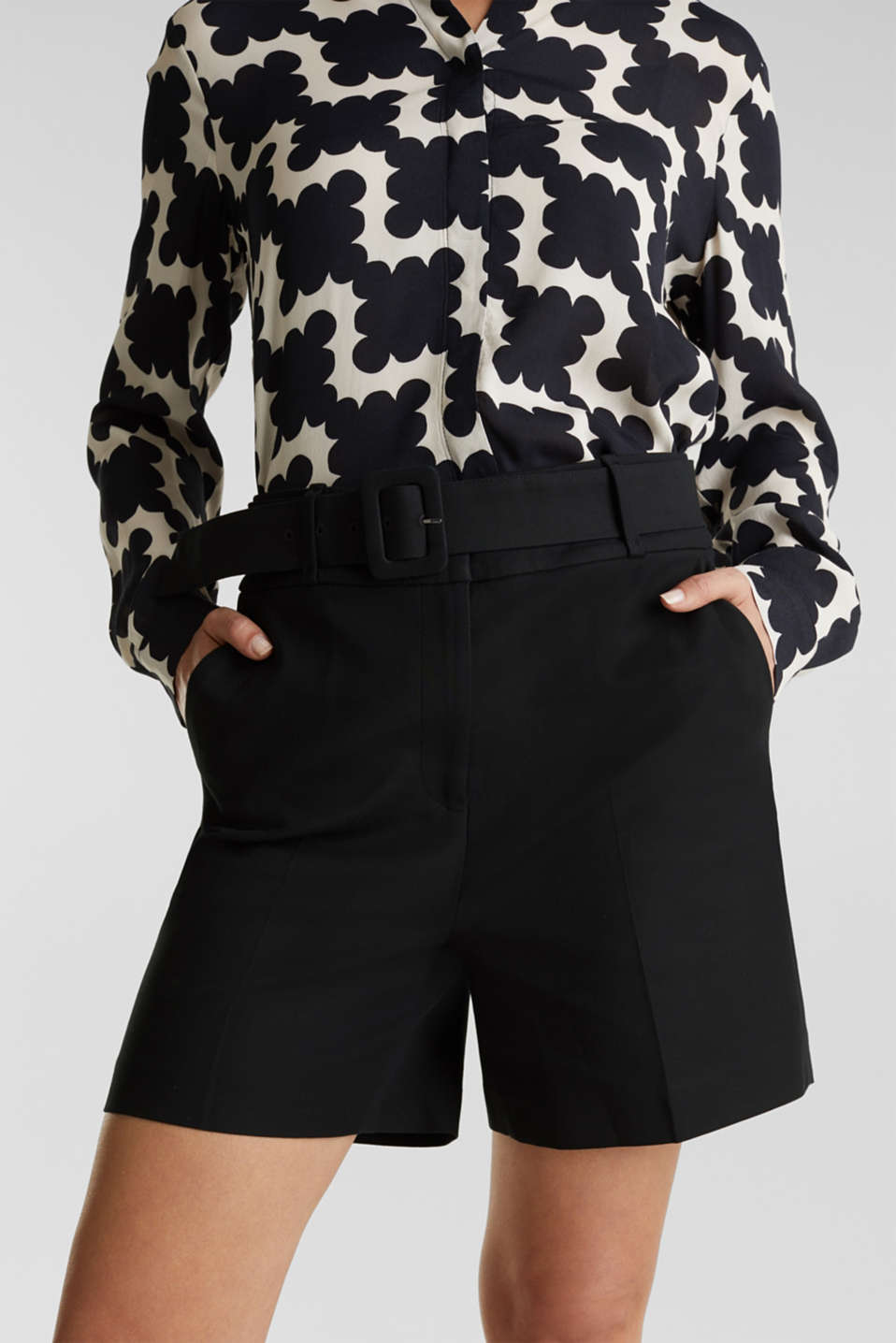 High-rise shorts with a belt, BLACK, detail image number 2