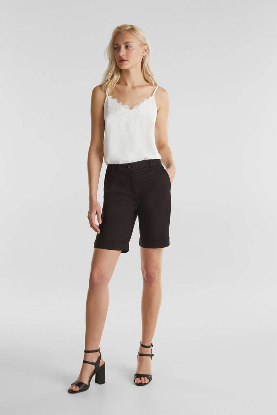 Stretchy satined Bermuda shorts, BLACK, detail image number 7