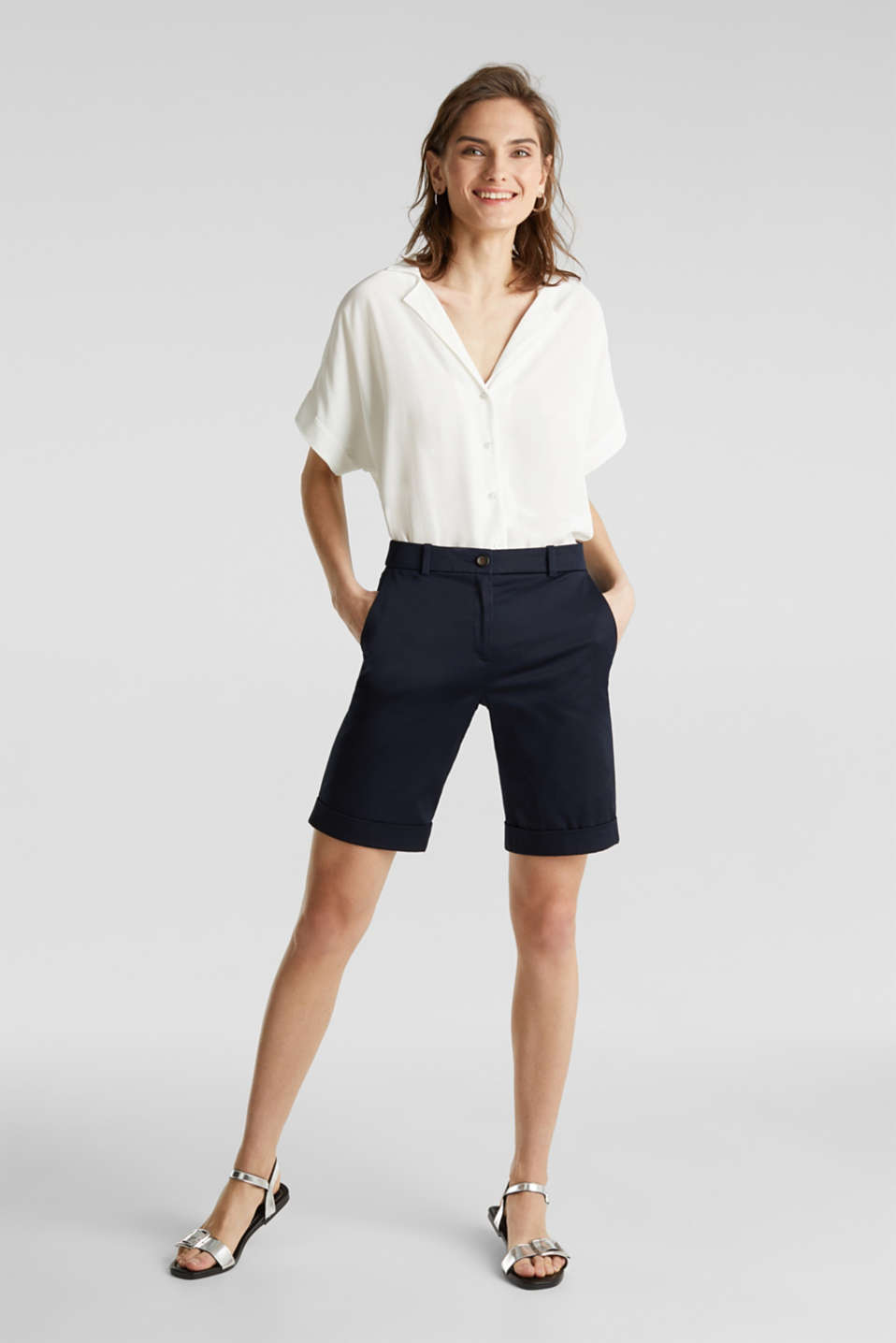 Stretchy satined Bermuda shorts, NAVY, detail image number 6