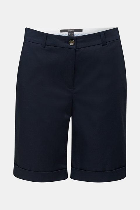 Stretchy satined Bermuda shorts