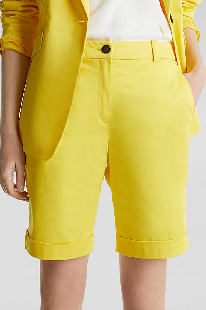 Stretchy satined Bermuda shorts, YELLOW, detail image number 2