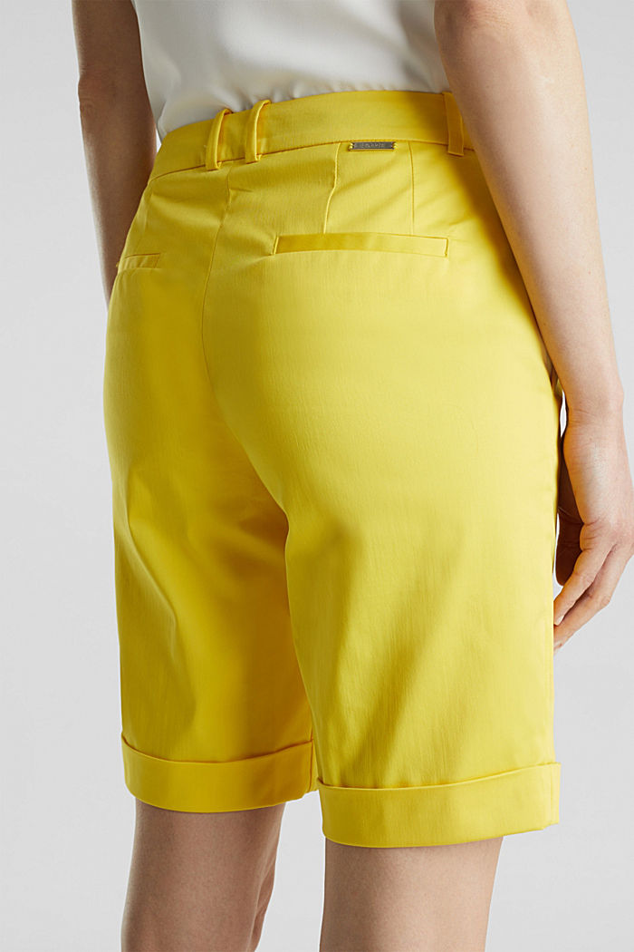 Stretchy satined Bermuda shorts, YELLOW, detail image number 5