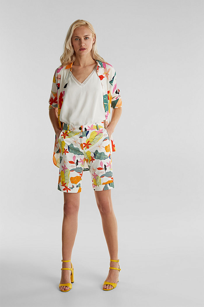 Satined Bermudas with a tropical print, OFF WHITE, detail image number 1