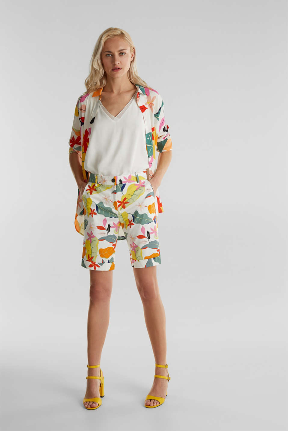 Satined Bermudas with a tropical print, OFF WHITE 4, detail image number 1
