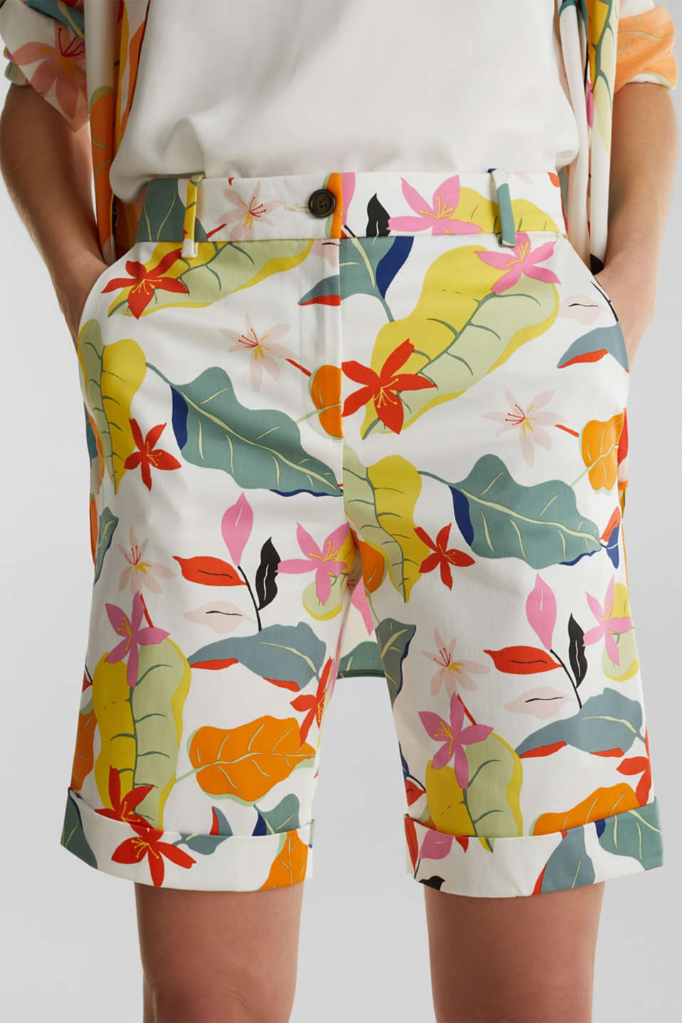 Satined Bermudas with a tropical print, OFF WHITE 4, detail image number 2