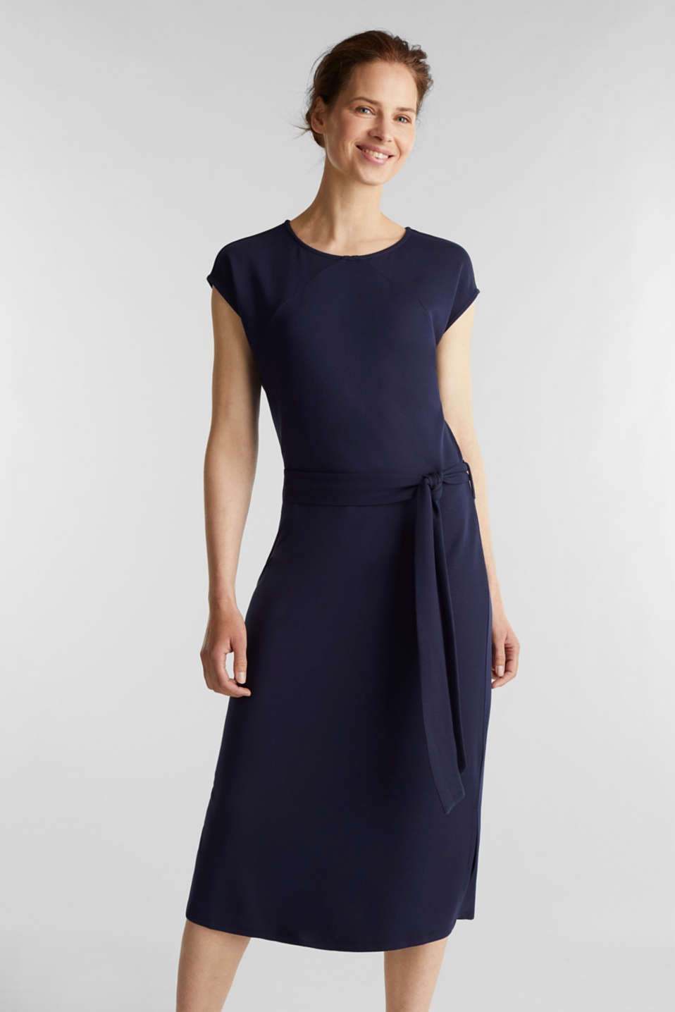 Esprit - Punto jersey dress with a belt