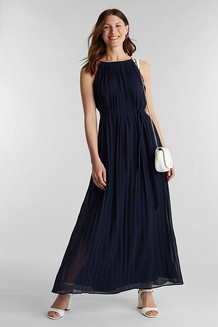 Recycelt: Plissee-Maxi-Kleid aus Chiffon, NAVY, detail image number 1