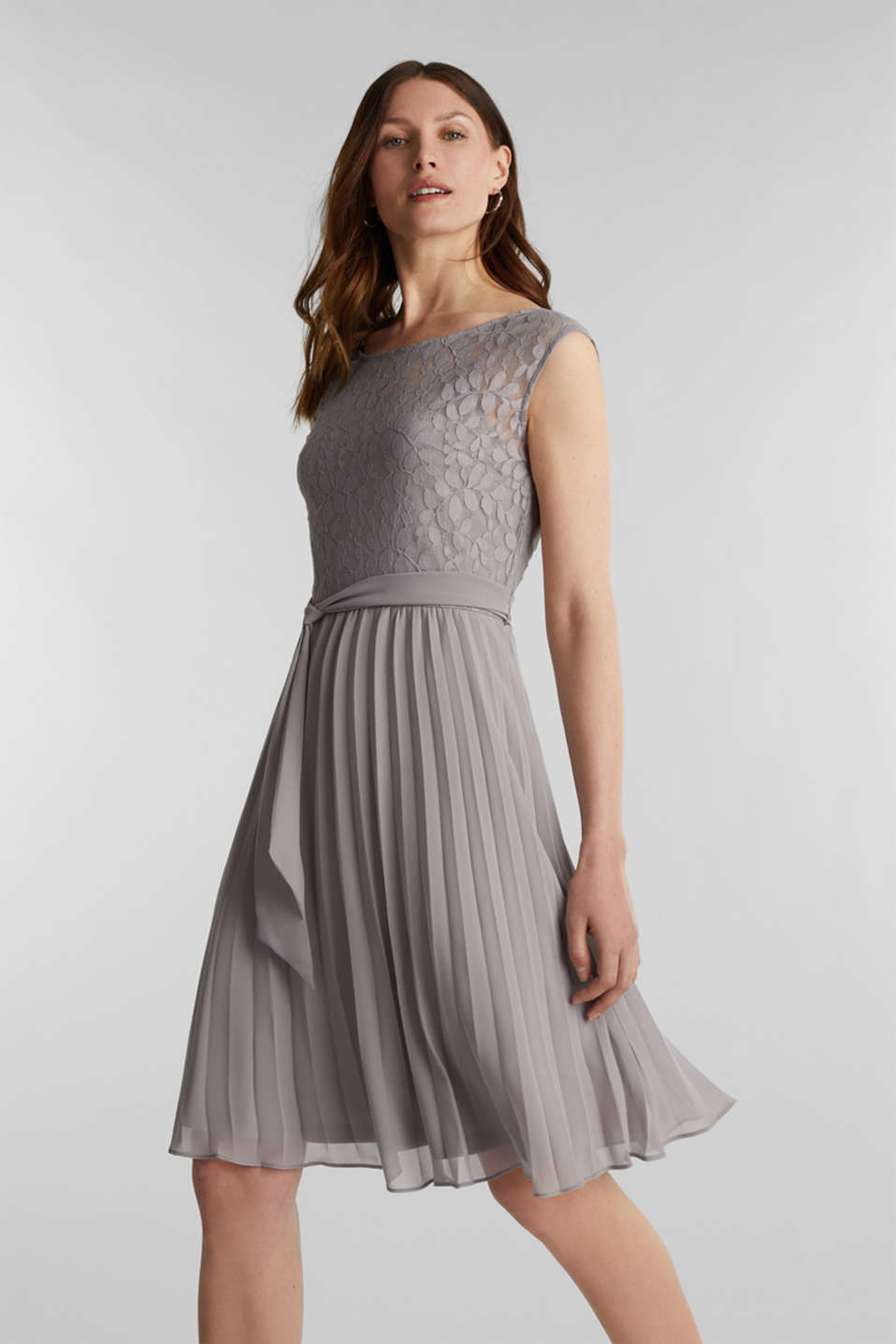 Esprit - Recycled: pleated dress with lace