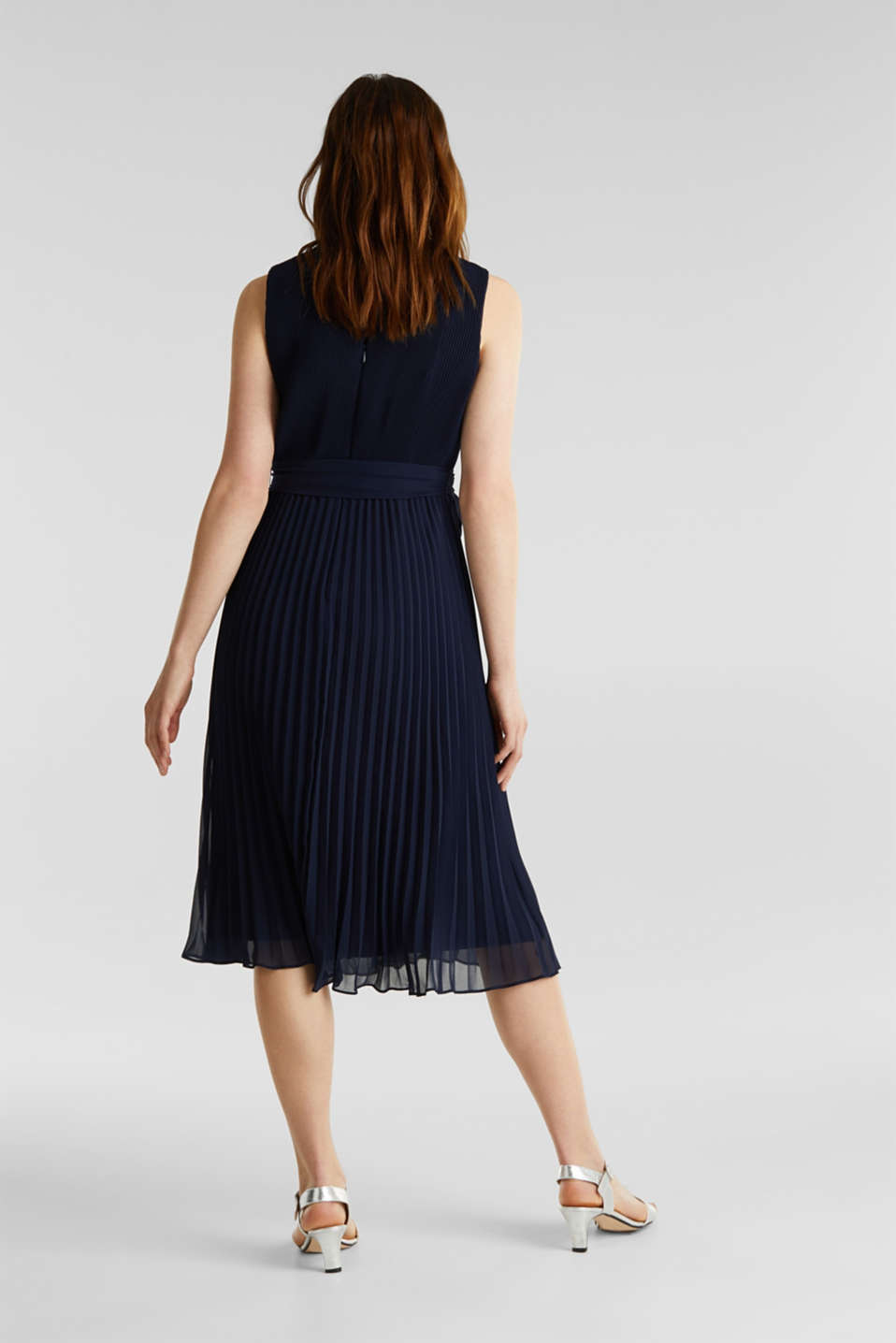 Recycled: midi dress with plissé pleats, NAVY, detail image number 1