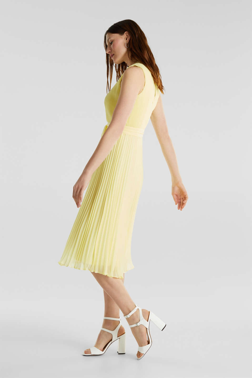 Recycled: midi dress with plissé pleats, LIME YELLOW, detail image number 4