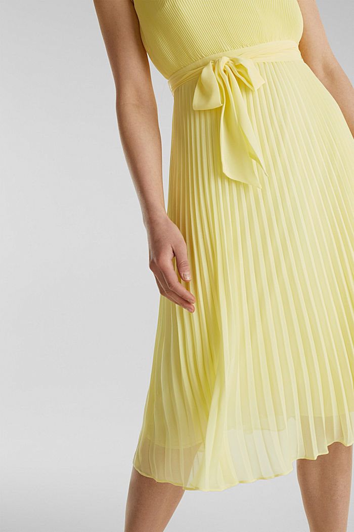 Recycled: midi dress with plissé pleats, LIME YELLOW, detail image number 2