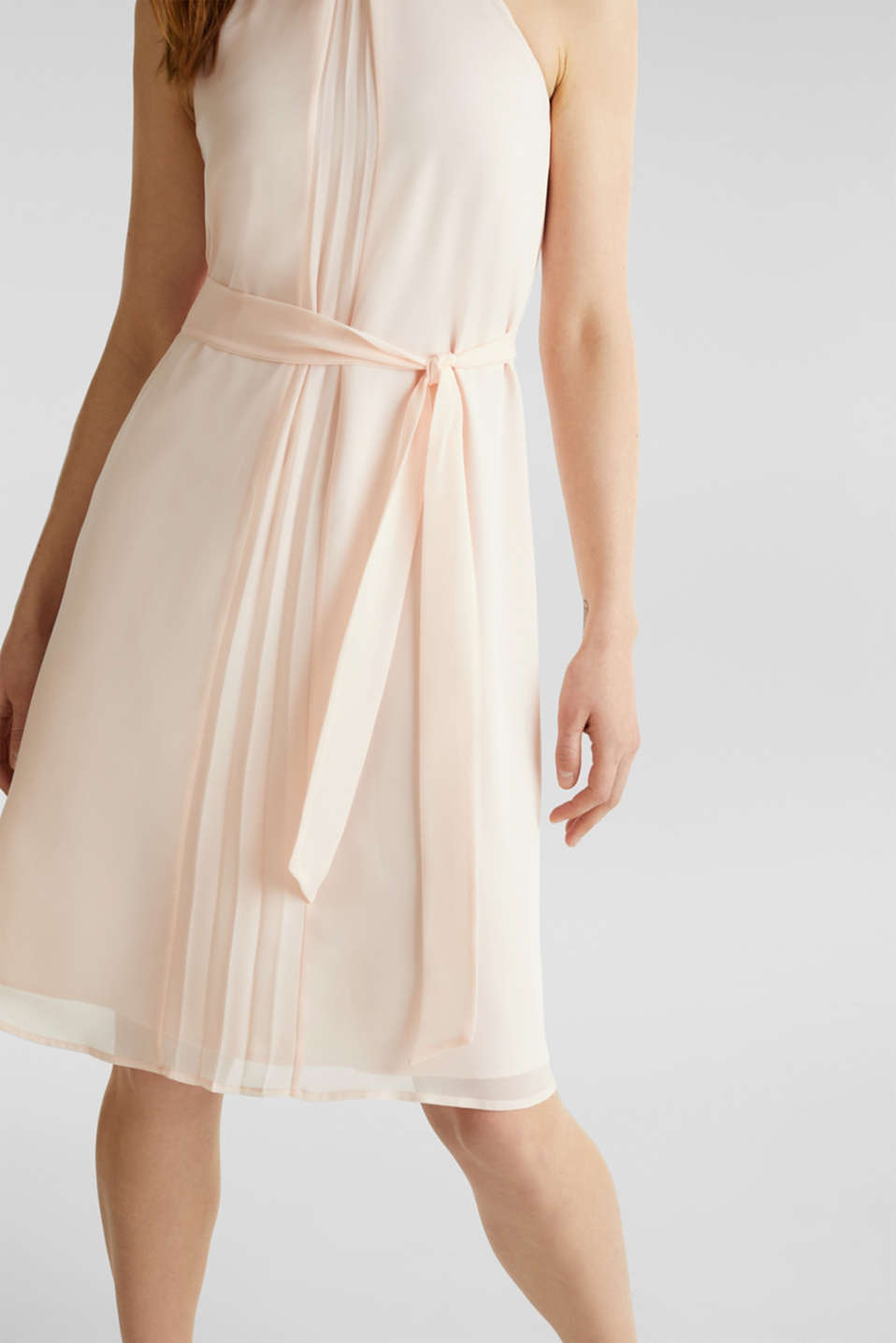 Recycled: crêpe dress with a belt, PASTEL PINK, detail image number 1
