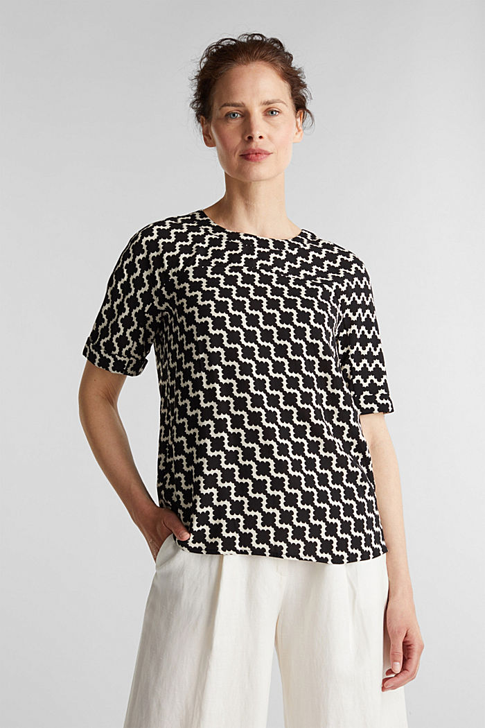 Short sleeve blouse with mosaic print