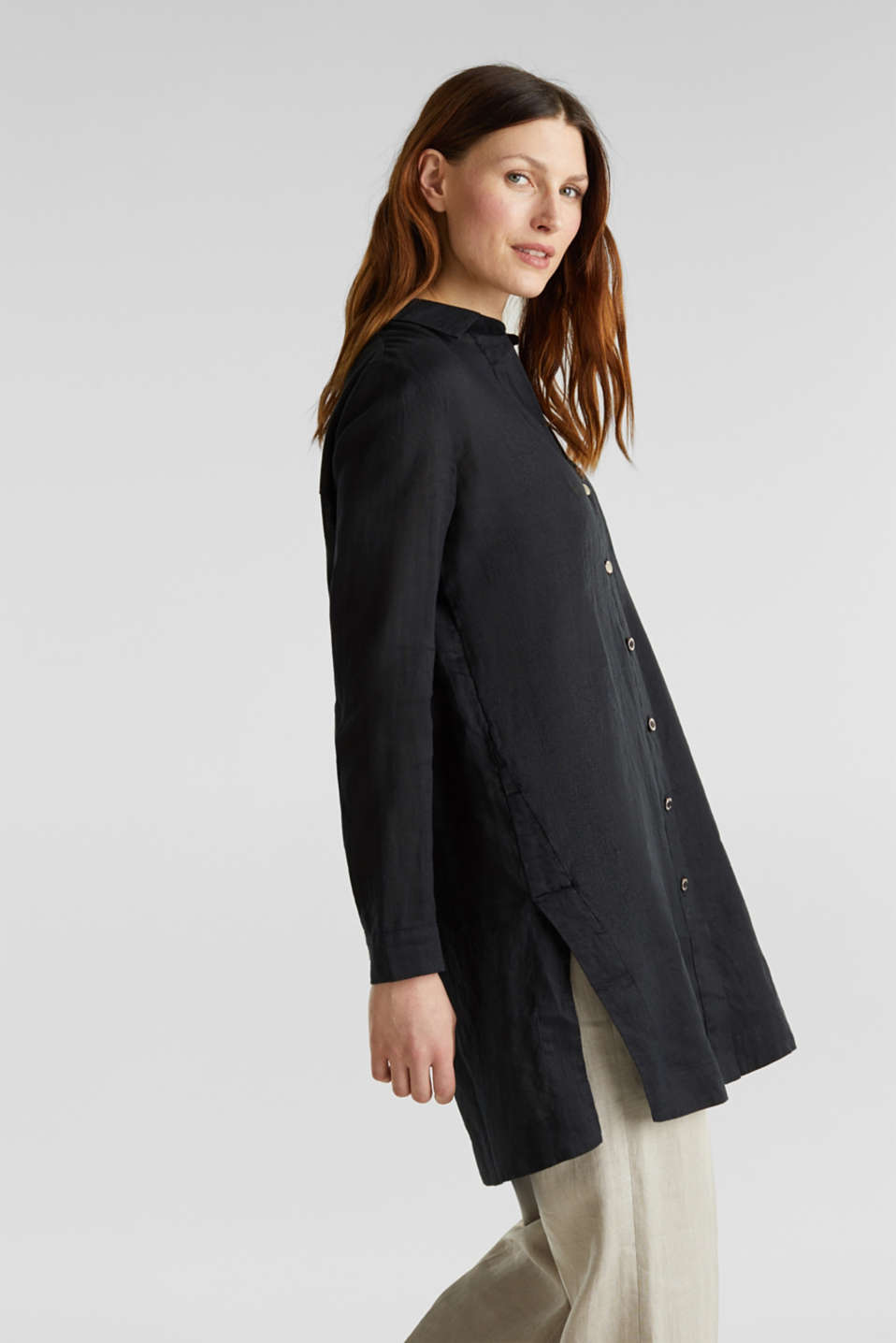 Made of linen: shirt blouse in a long cut, BLACK, detail image number 4
