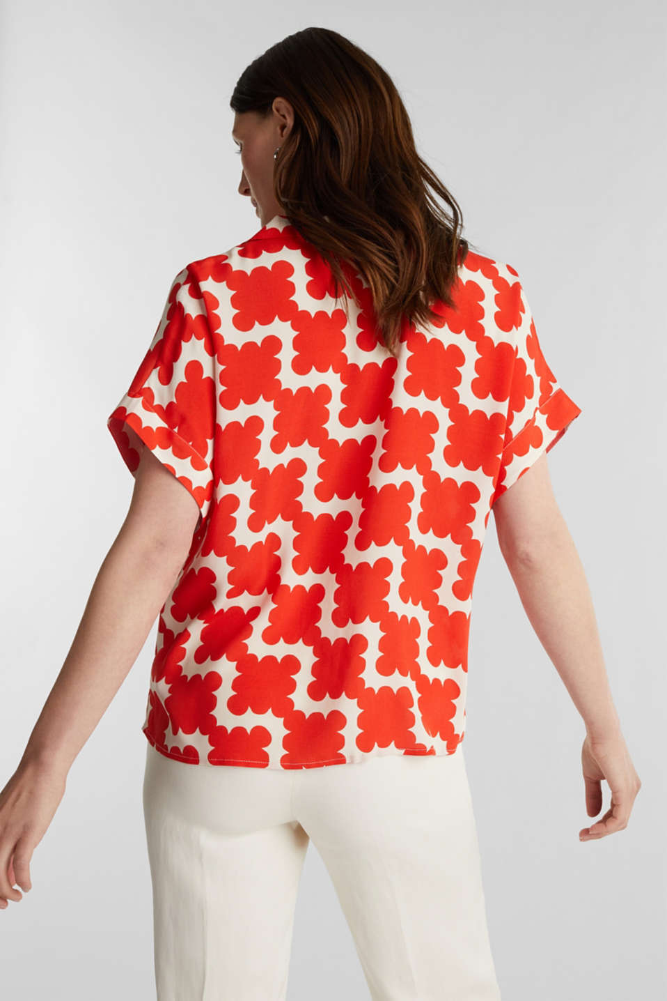 Shirt blouse made of crêpe with a graphic print, RED ORANGE 4, detail image number 3
