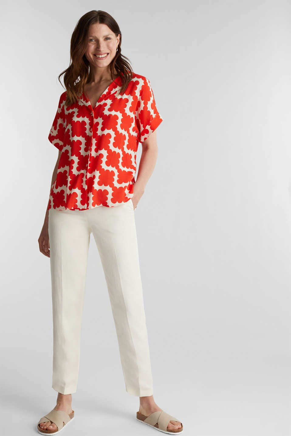 Shirt blouse made of crêpe with a graphic print, RED ORANGE 4, detail image number 1