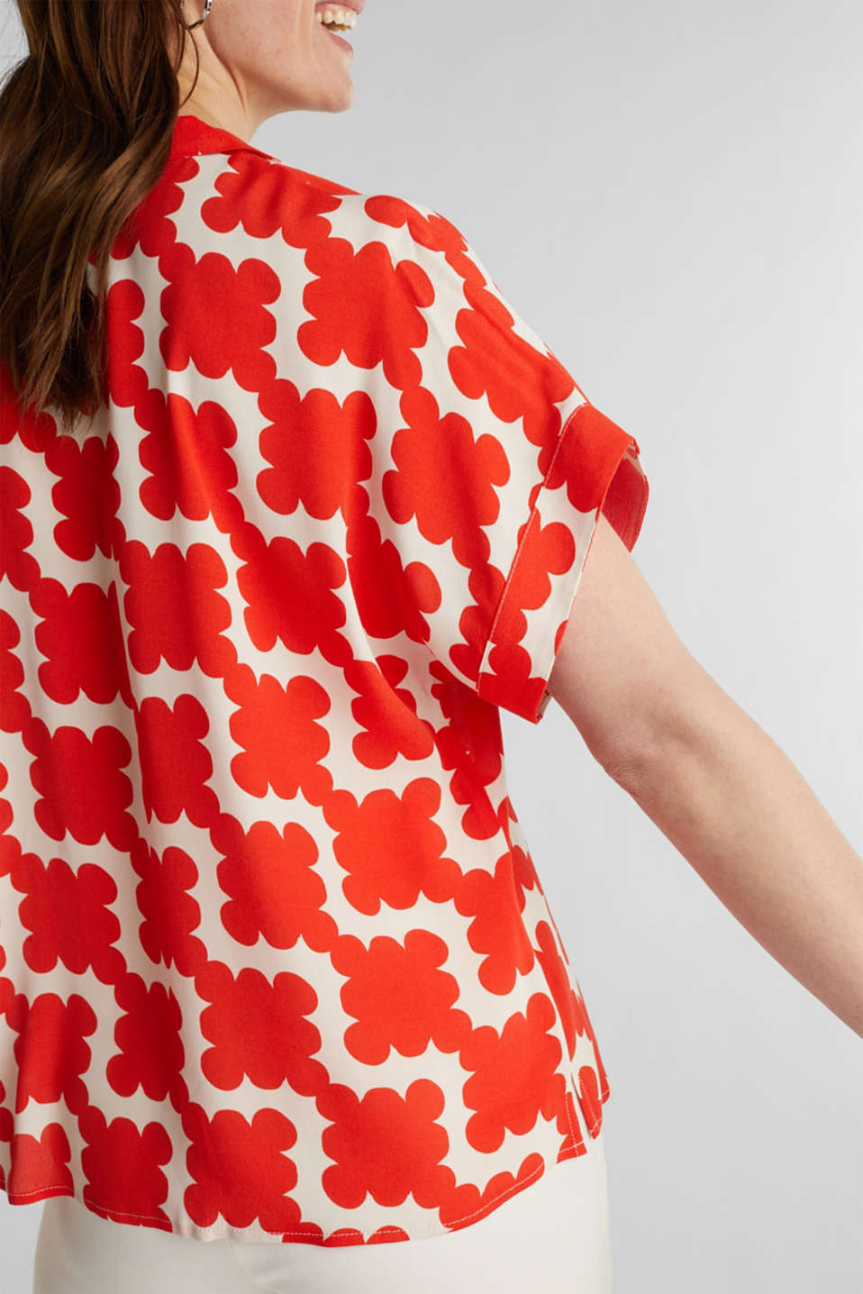 Shirt blouse made of crêpe with a graphic print, RED ORANGE 4, detail image number 5