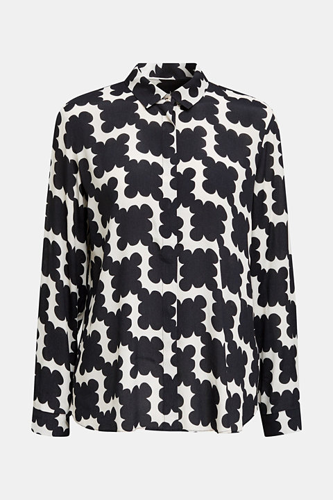 Crêpe blouse with a modern print