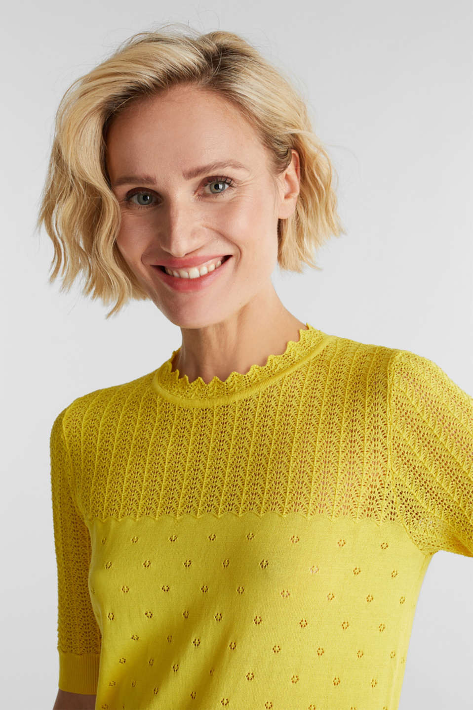 Short-sleeved jumper with an openwork pattern and lace, YELLOW, detail image number 6
