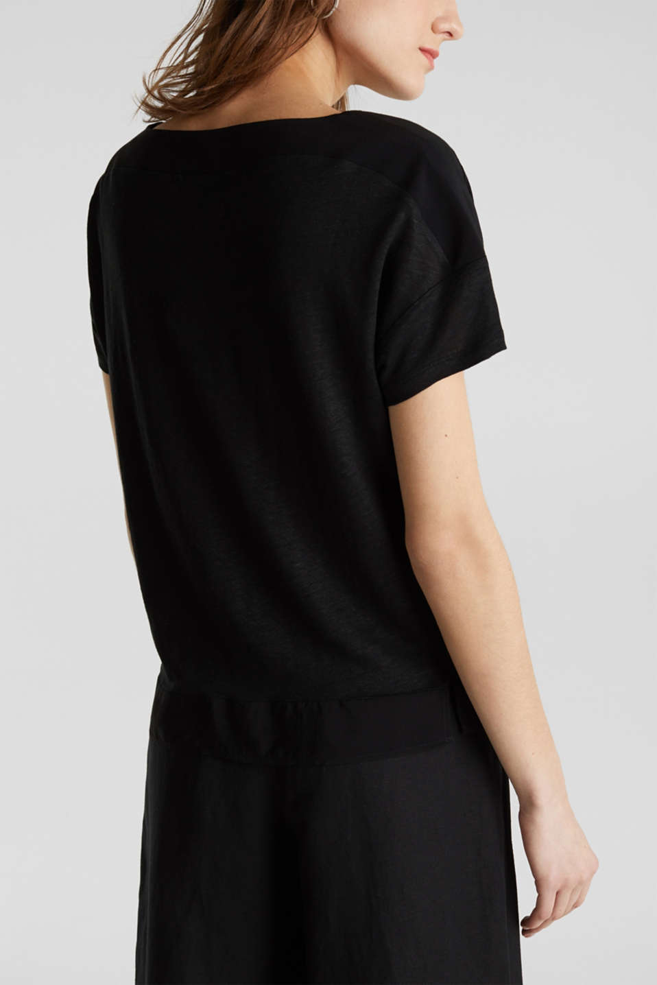 Made of linen: top with fabric details, BLACK, detail image number 3