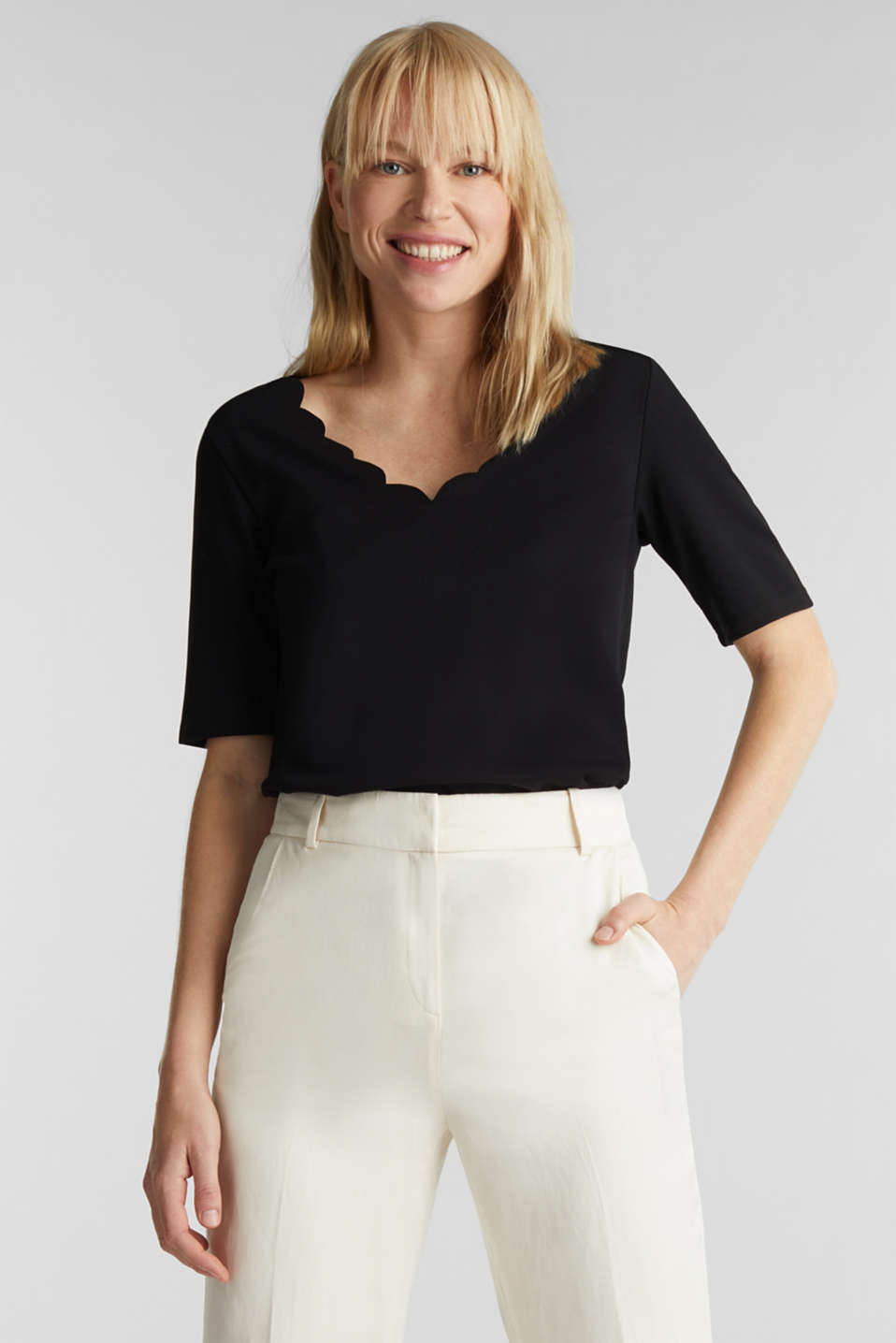 Stretch top with scalloped edges, BLACK, detail image number 0